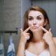 Controllo delle rughe del volto